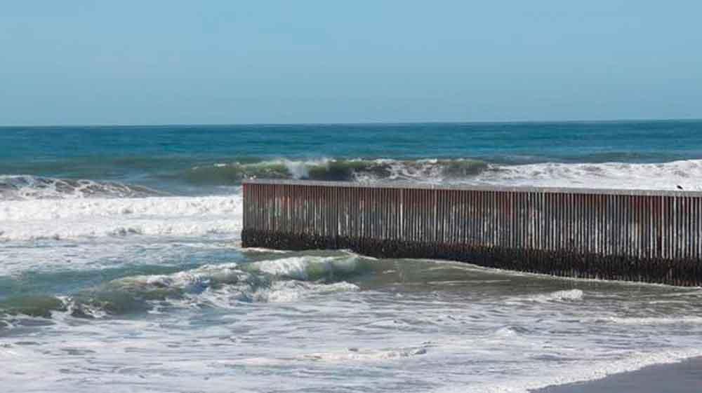 Buscan cuerpo de joven ahogado en Playas de Tijuana