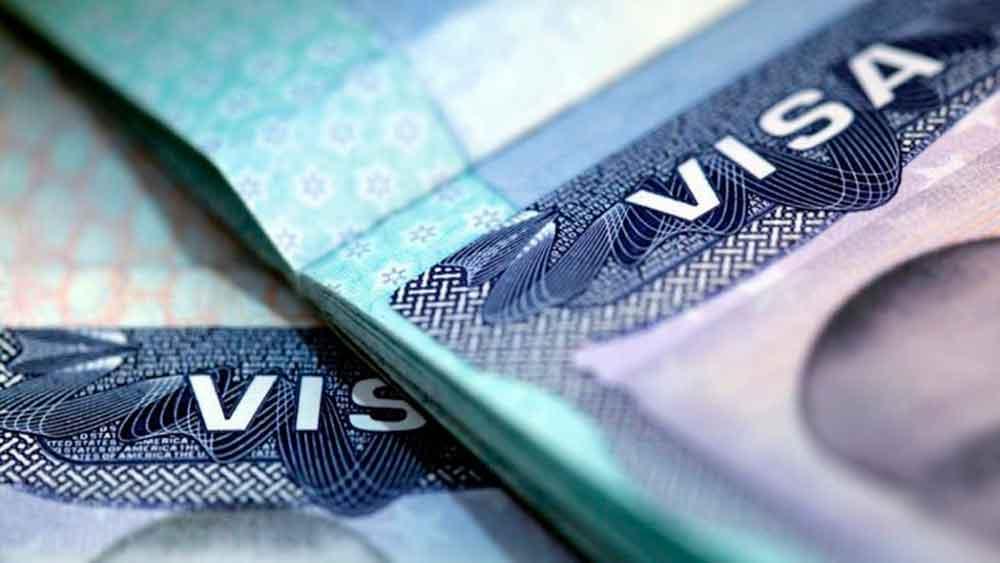 Inmigrantes con visas vencidas, son ahora el objetivo del Gobierno de EU