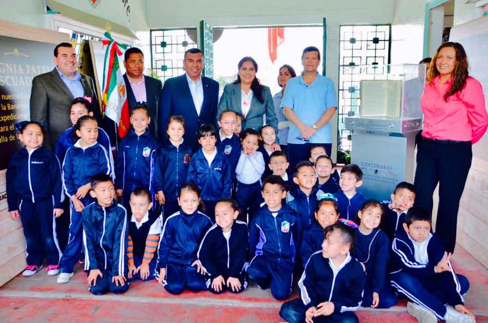 Fomenta Gobierno de BC valores cívicos en escuelas