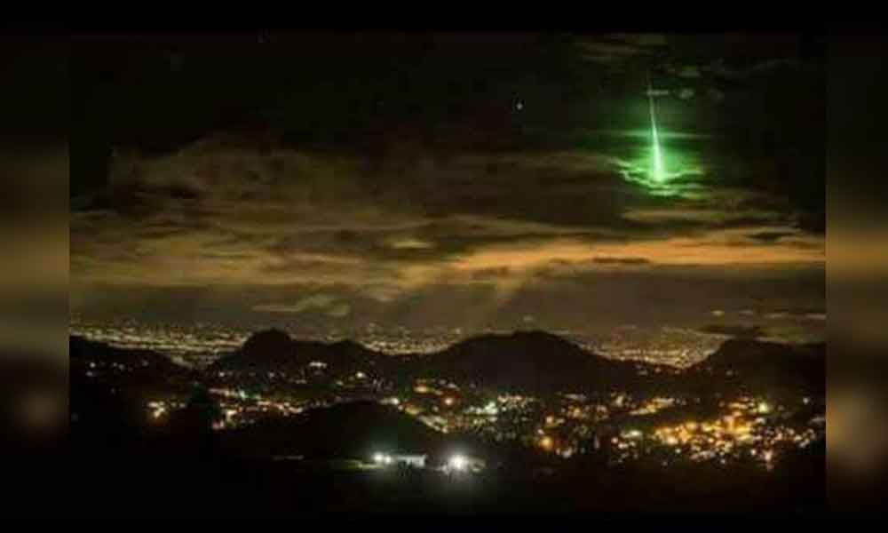 Extraña luz ilumina el cielo de Baja California