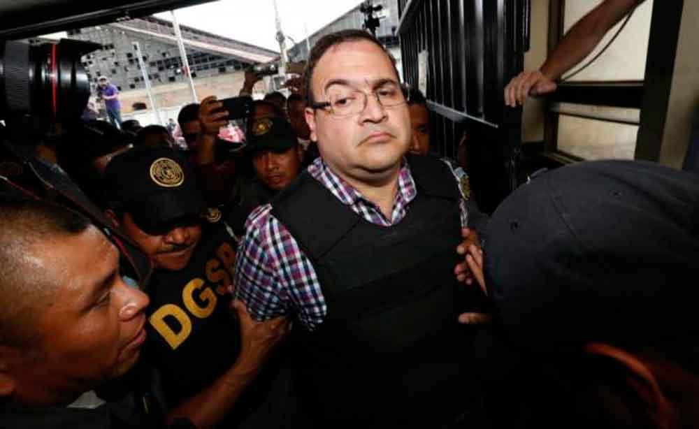 Duarte ingresa a los tribunales para su primera audiencia