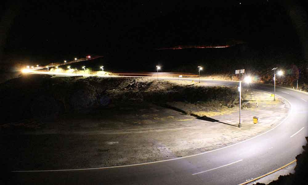 Iluminación LED en curvas peligrosas de autopista La Rumorosa