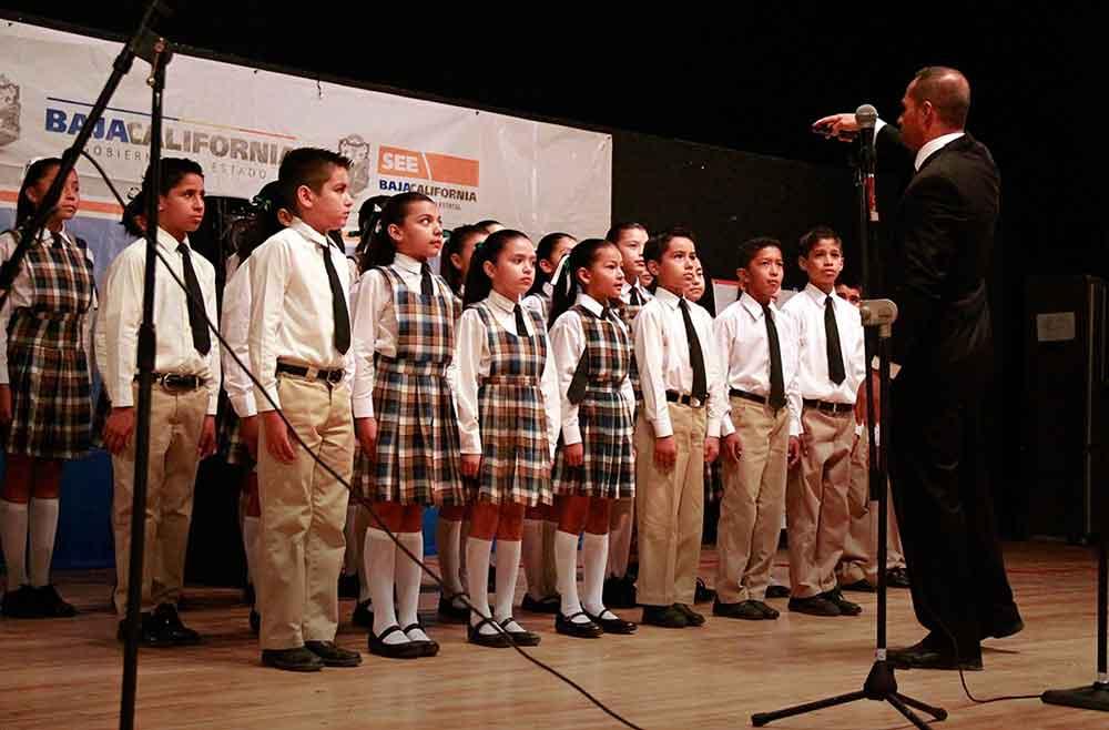 Convocan a primarias y secundarias a concurso de interpretación de Himno Nacional
