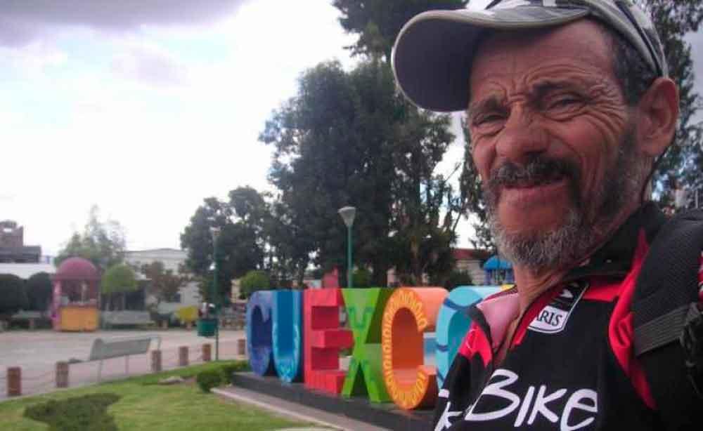 Busca récord Guinness… y le roban bicicleta en México