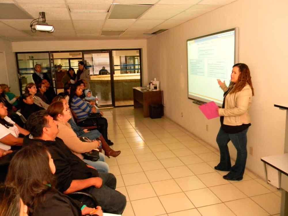 Capacita SEE Tecate a Consejos Escolares de Participación Social
