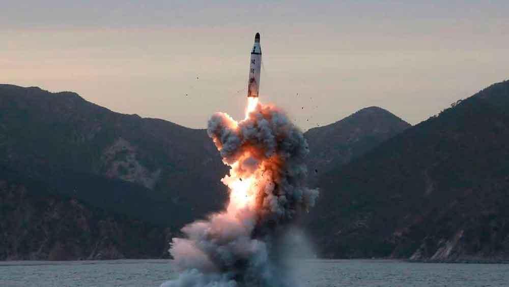 """Corea del Norte afirma que el misil lanzado puede llevar una ojiva nuclear """"de gran tamaño"""""""