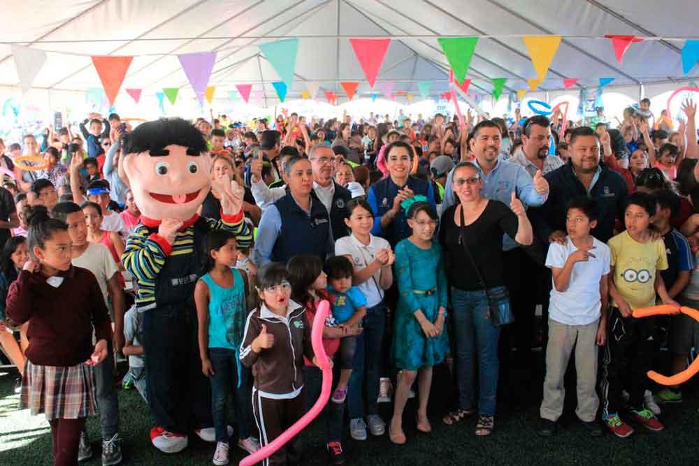 Festeja Gobierno de BC a niños y niñas