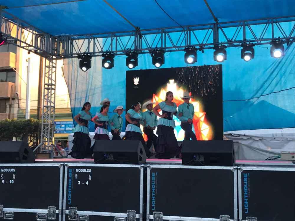 """Cuadrilla """"La Tradición del Tecate Viejo"""" participó en el 482 aniversario de La Paz, BCS"""