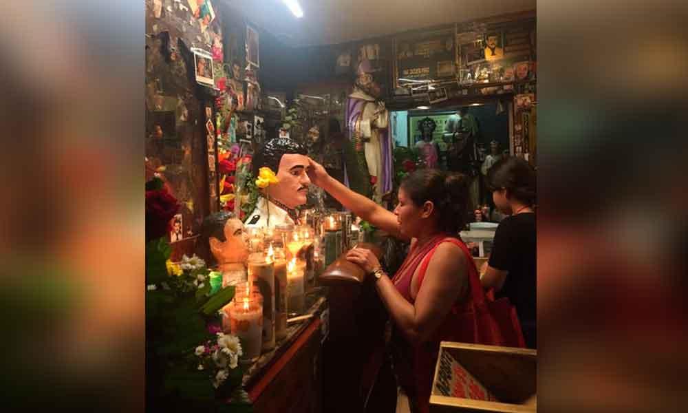 Fieles celebran a Malverde en Culiacán