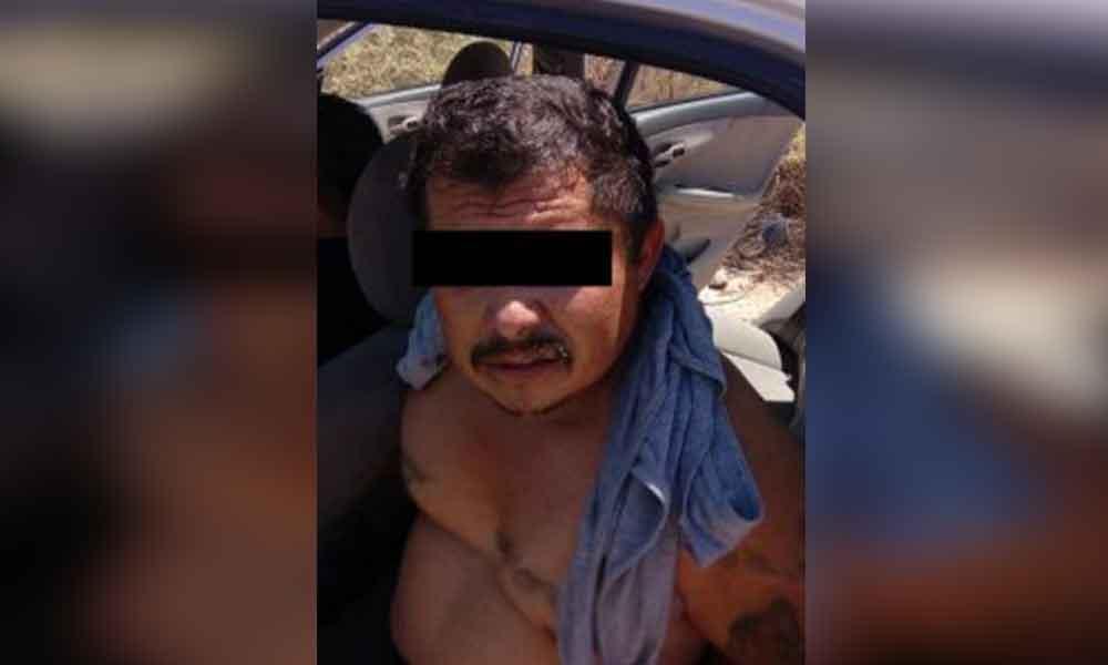 Lo atrapan violando a su hijastra a bordo de un taxi
