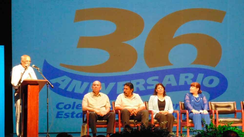 Realizan ceremonia por el 36 aniversario de COBACH