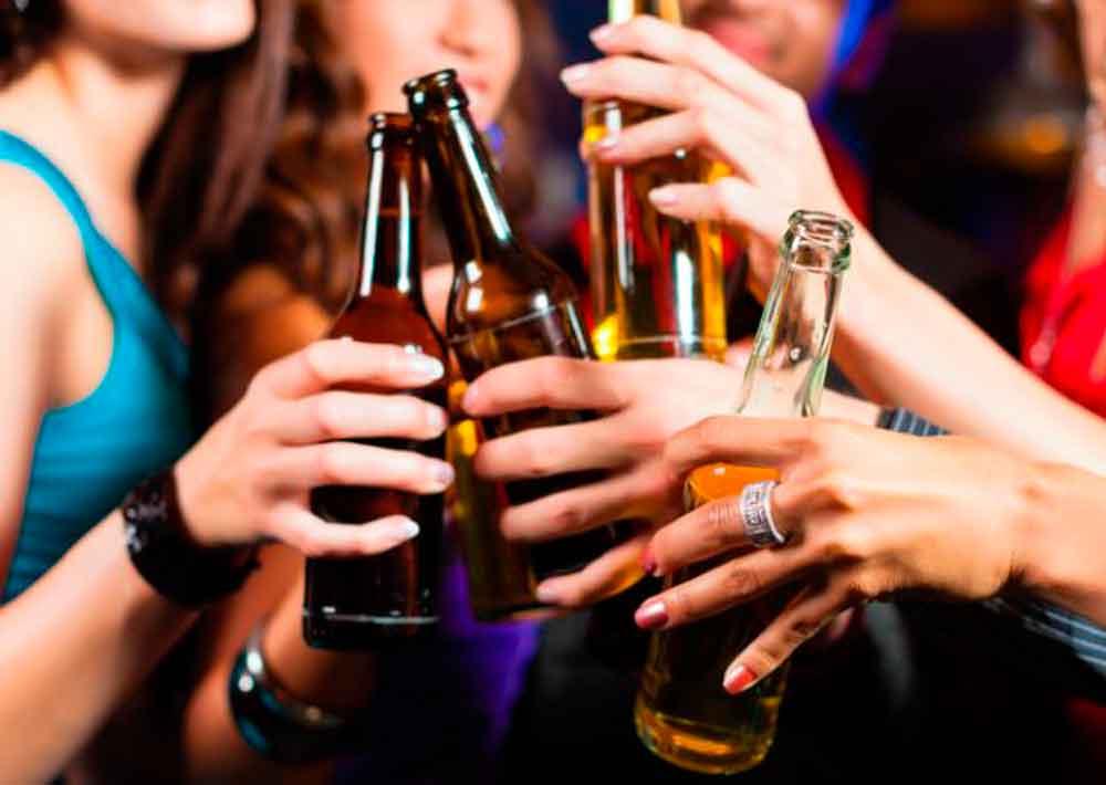 Buscan elevar a 21 años la edad permitida para ingerir bebidas alcohólicas