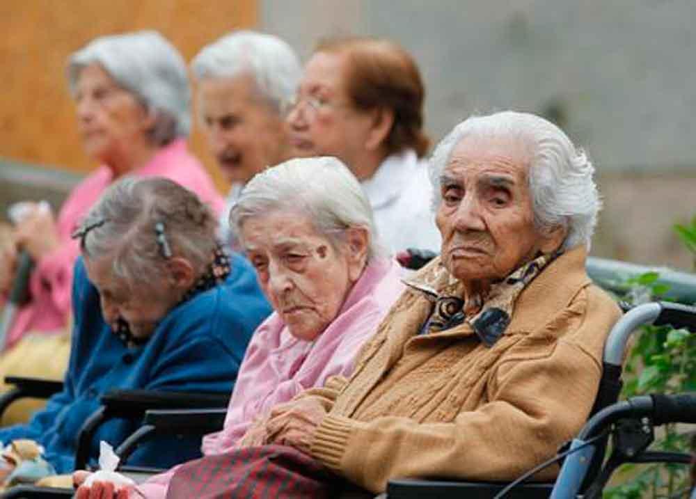 Tres años de cárcel a quien abandone a adultos mayores
