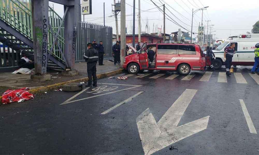 Camioneta se impacta causando la muerte de un menor; era utilizada como transporte escolar