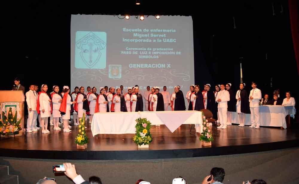 Egresan 44 nuevos profesionales en enfermería en Ensenada