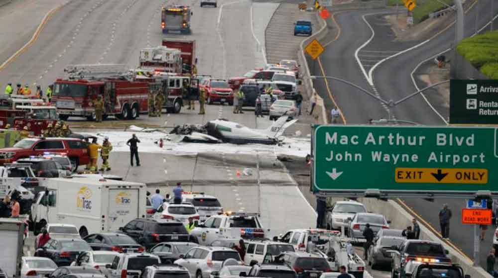 Al menos dos heridos al estrellarse avioneta California