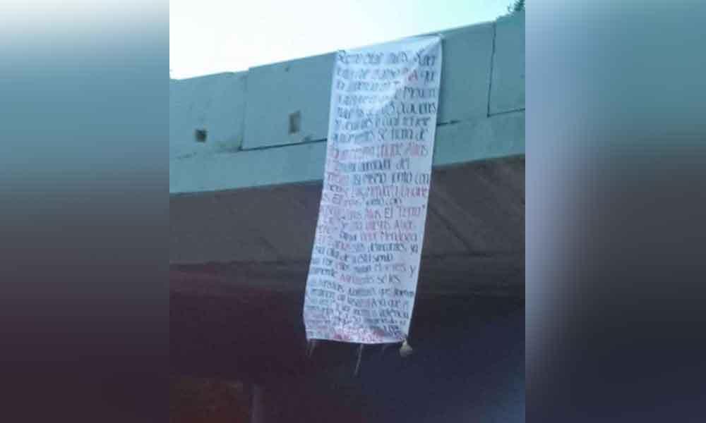 Localizan narcomanta en puente de Tijuana