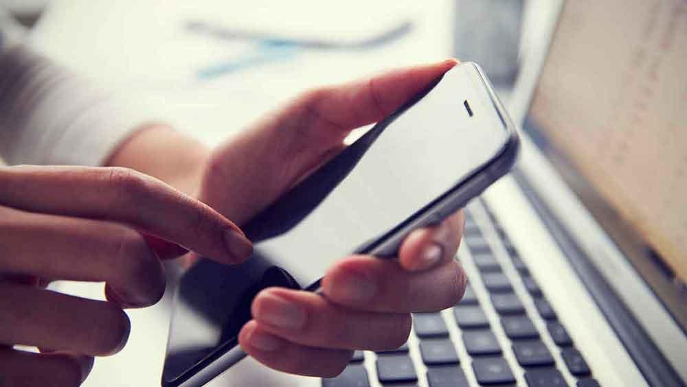 Descubre video íntimo de su esposa en el celular de su vecino
