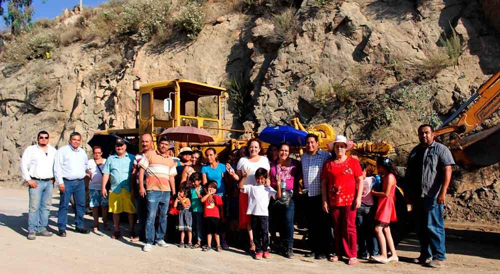 Inicia Gobierno de BC obra de pavimentación en colonia La Sierrita