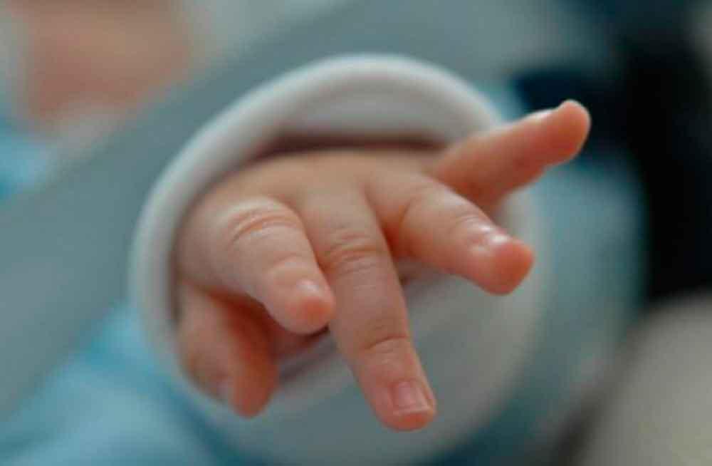 Mujer asesina a su bebé después de darlo a luz