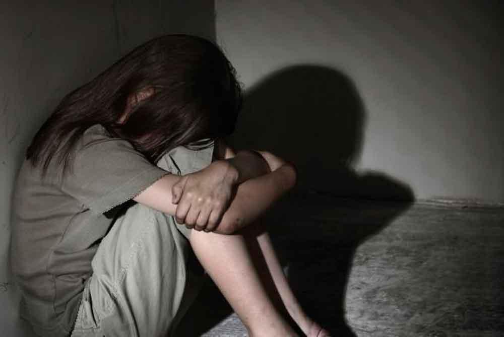 Muere niña de seis años tras ser violada por sus primos