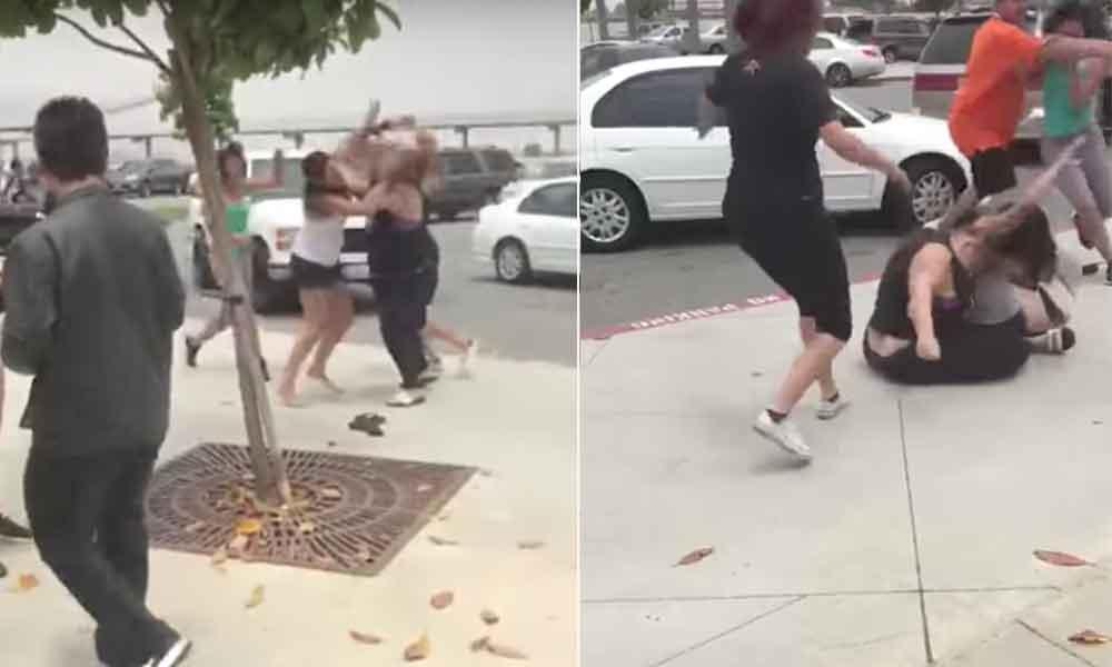 Madres de familia protagonizan pelea afuera de escuela