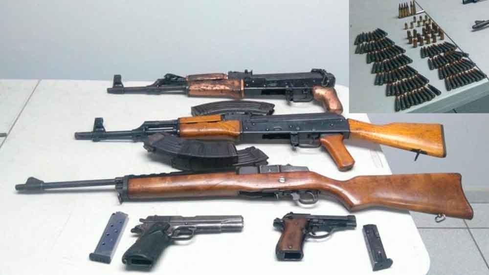 Capturan a dos sujetos con arsenal en San Quintín