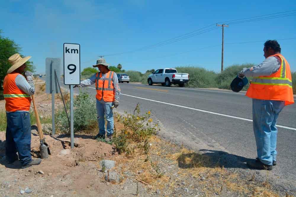 Continúan los trabajos de conservación en carreteras del valle de Mexicali a cargo de la SCT