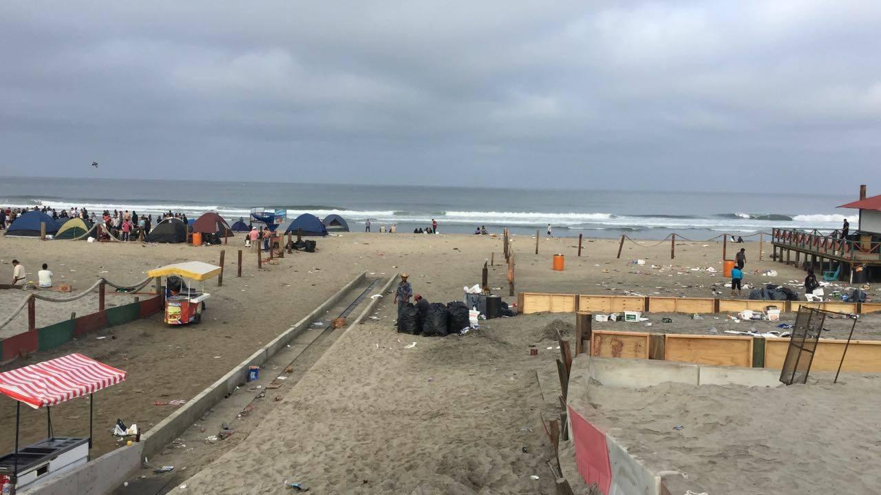 Mexicali en la Playa deja basura en Rosarito