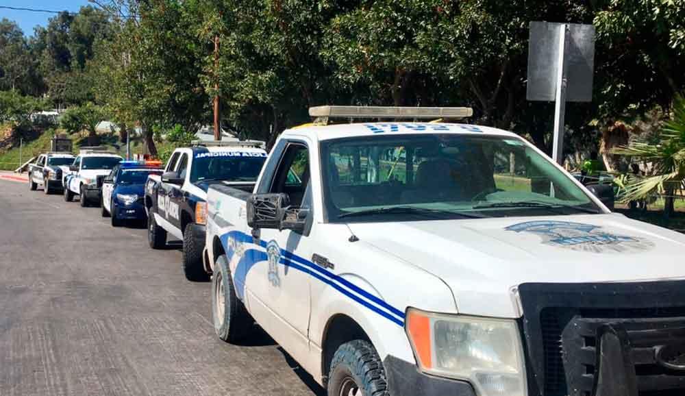 Realizan fuerte operativo policíaco para evitar que taxis amarillos regresen a la garita