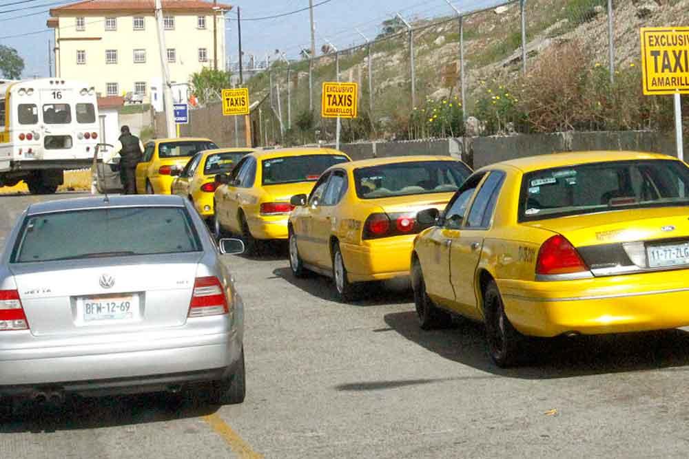 Iniciarán procedimiento para cancelar concesiones a taxis amarillos en Tijuana