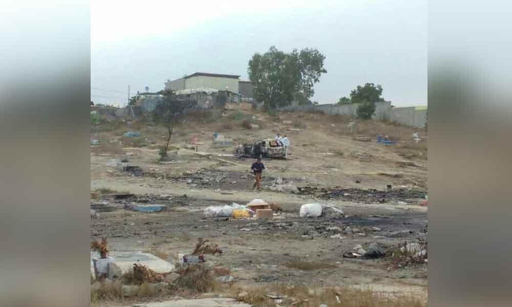 Sofocan auto en llamas y descubren cadáver en Tijuana