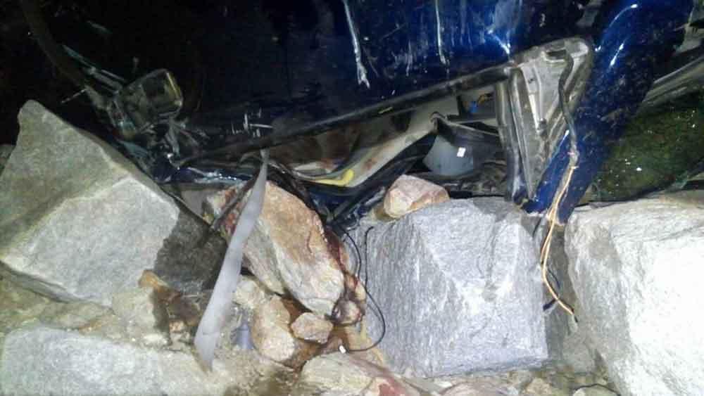 Joven sobrevive a volcadura en La Rumorosa; cayó a un barranco de casi 200 metros
