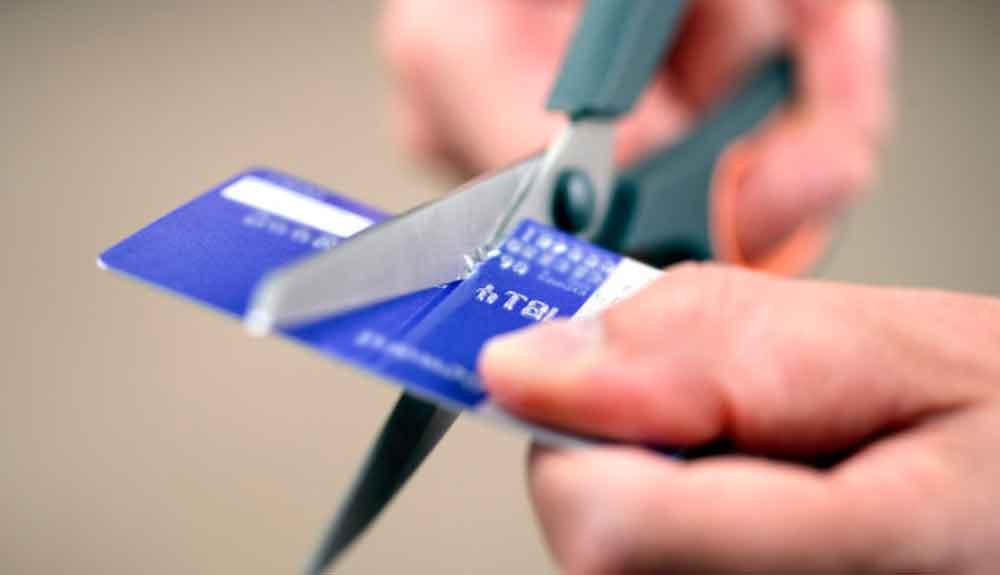 Alertan por sitios falsos que prometen borrar historial crediticio