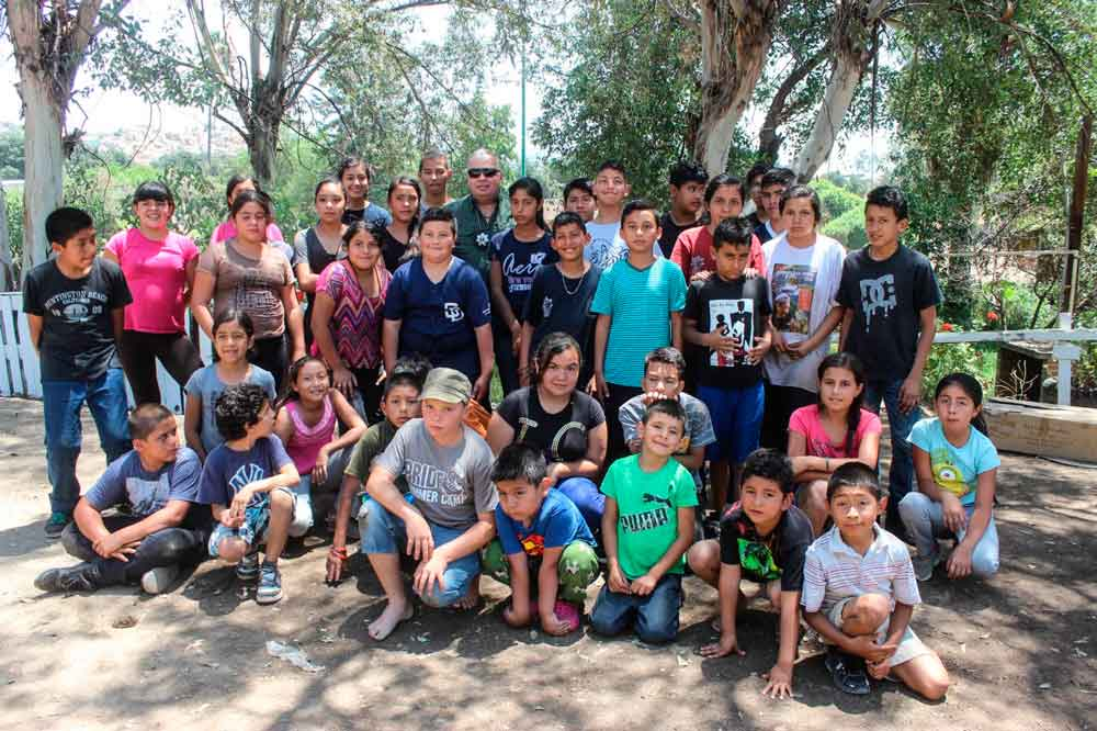 Director de Seguridad Ciudadana de Tecate, convive con integrantes de   la Patrulla Juvenil
