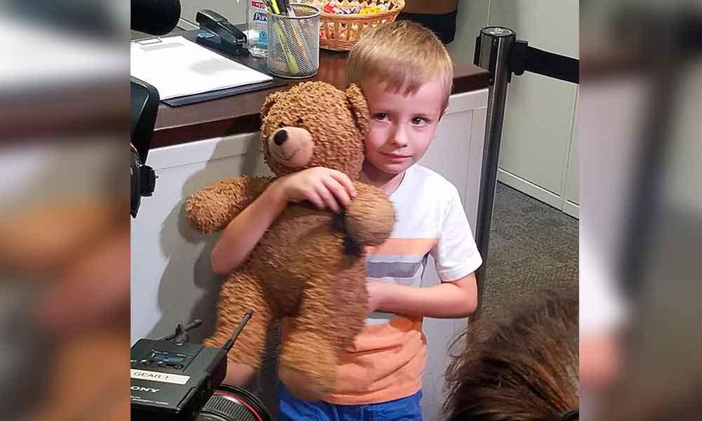 Activan alerta en aeropuerto de Dallas por osito Teddy