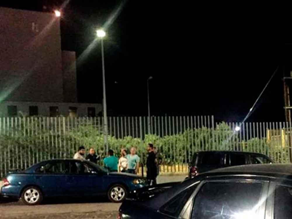 Ladrones dejan sin pila 7 carros afuera de urgencias del ISSSTE