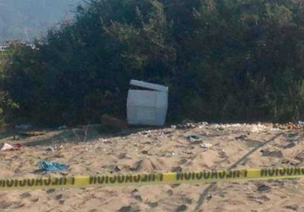 Localizan hielera con restos humanos en Ensenada