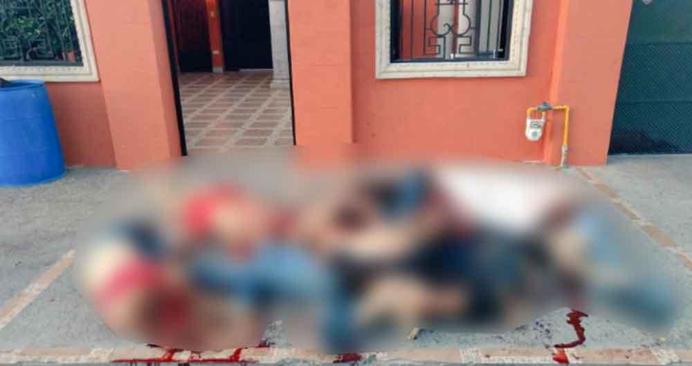 Abandonan 10 cadáveres afuera de una vivienda