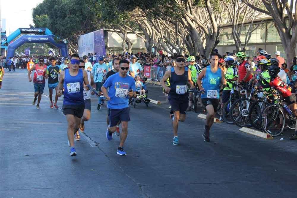Más de 4 mil corredores participaron en el Medio Maratón de Tijuana
