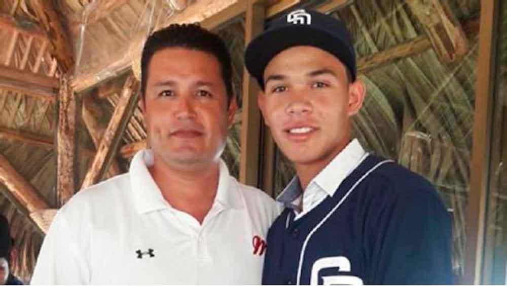 Padres de San Diego firman a talento mexicano de 16 años