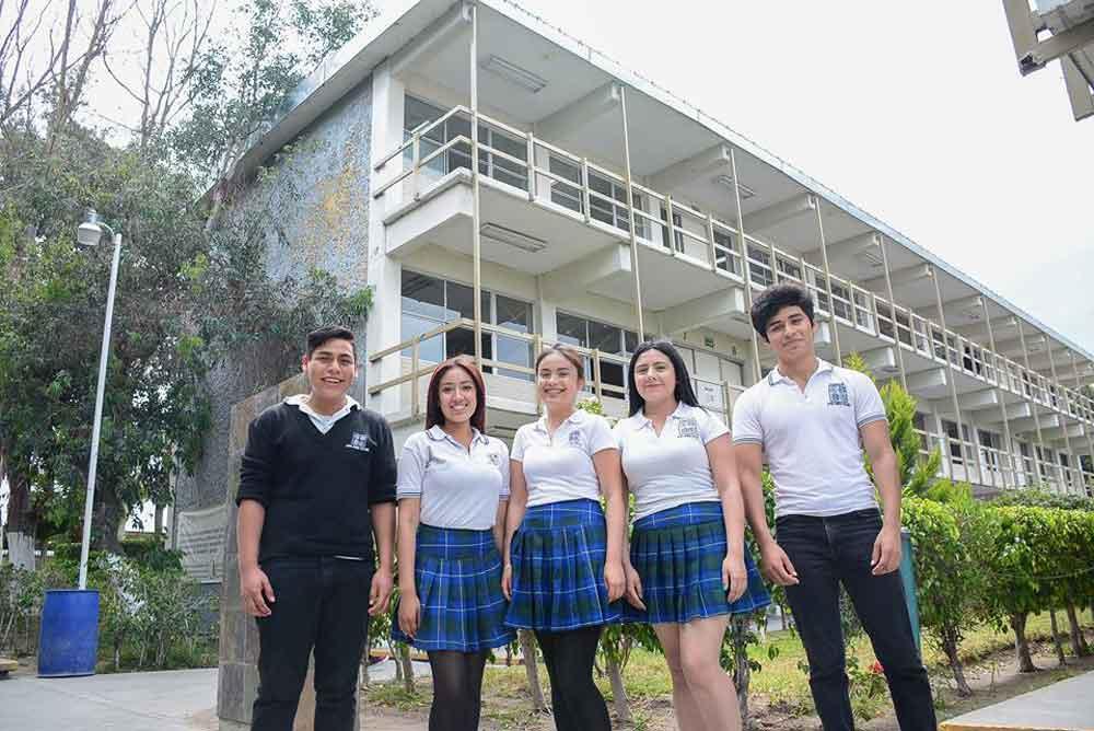 Garantizan en Baja California preparatoria para todos los jóvenes