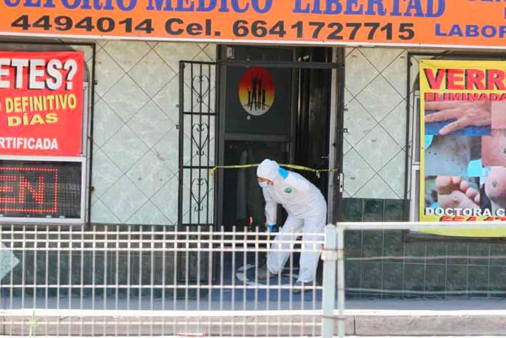 Asesinan a doctora dentro de su consultorio en Tijuana
