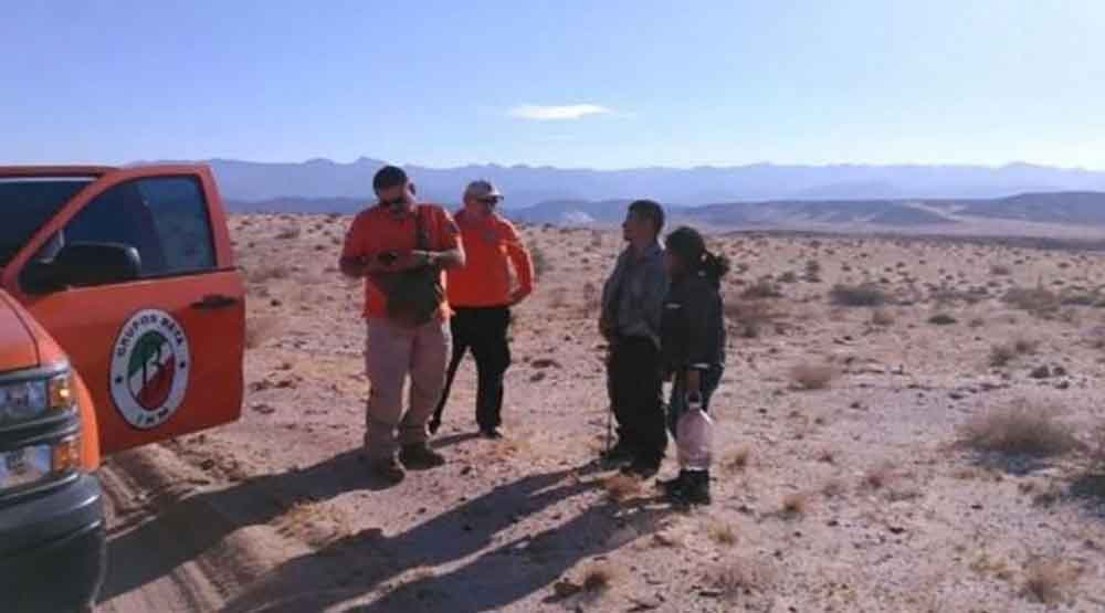 Rescatan a migrantes perdidos en desierto