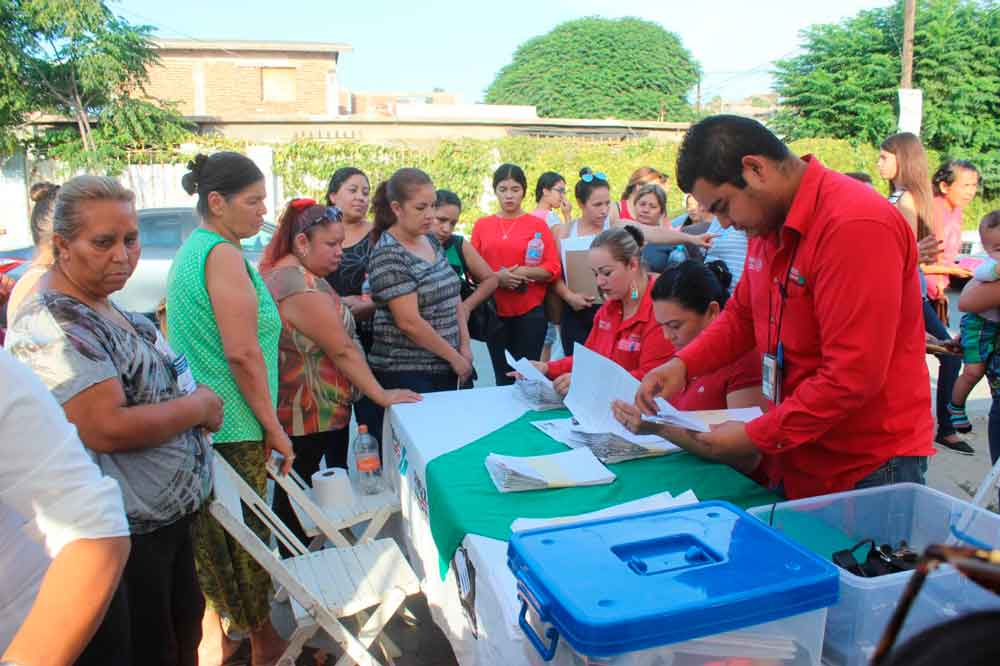 Familias de La Bondad resultan beneficiadas con el Programa Liconsa