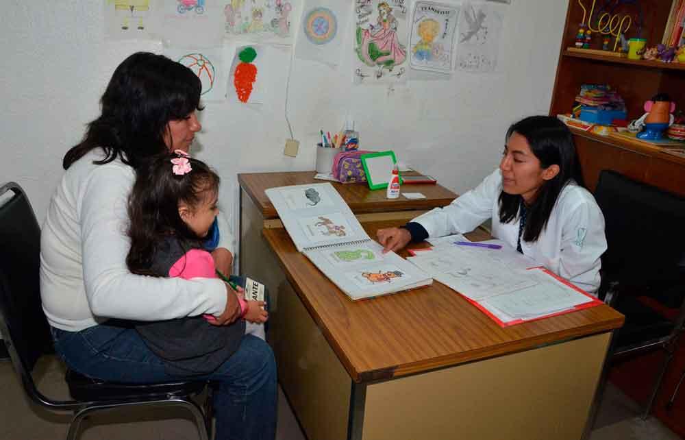 Cura IMSS de forma exitosa a niños con tartamudez