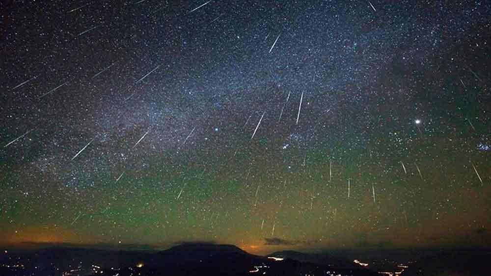 Te decimos cómo ver la lluvia de meteoros más importante del año