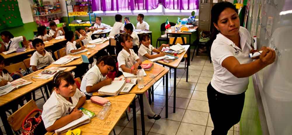 Se vuelve a retrasar el pago para profesores interinos en Baja California