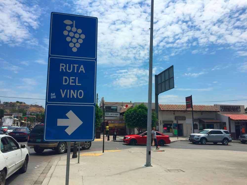 Concluyen en Tecate instalación de señalamientos para la Ruta del Vino