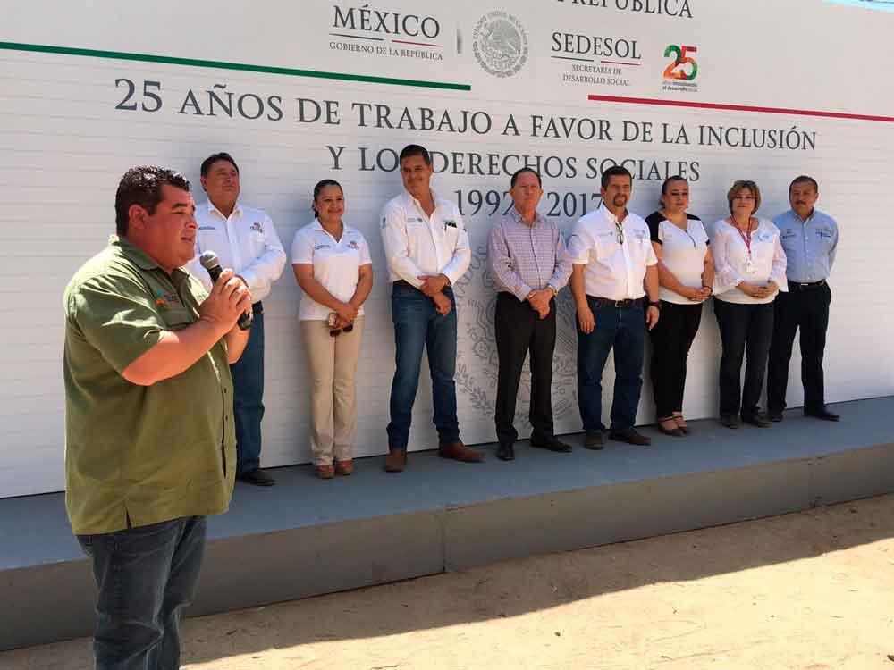 Brindan Feria de Servicios y Activación Comunitaria en el Valle de las Palmas